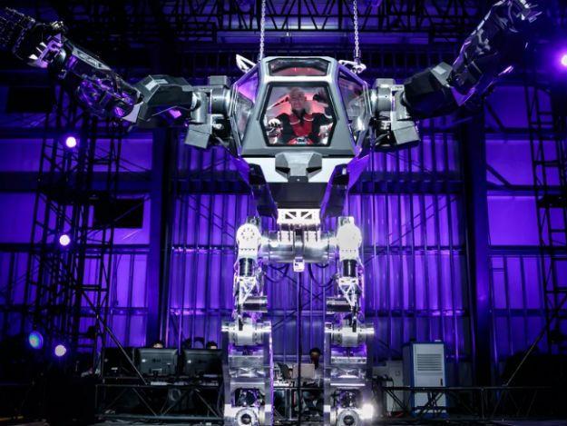 Jeff-Bezos-robo_625