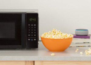 amazonbasics-microwave
